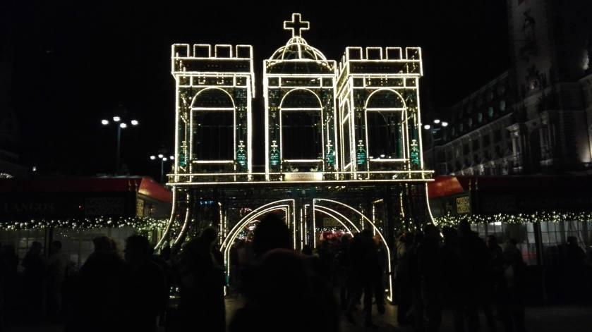 indgangen til julemarked ved rådhuset