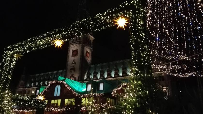 Julemarked ved rådhuset i Hamburg