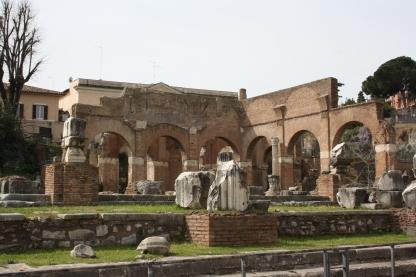 Basilica Julia byget af Cæsar