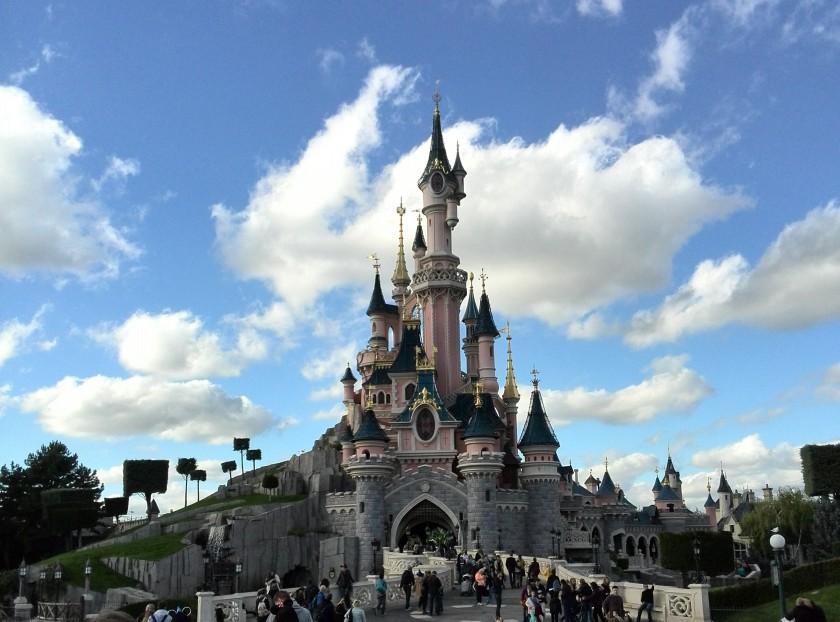 Torneroses ikoniske slot som står i alle Disneys parker over hele verden