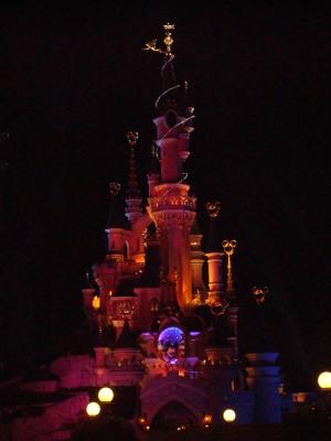 Når mørket falder på og slottet lyser op