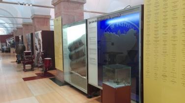 Værktøj og udstyr som har været brugt ved fremstilling af chokolade